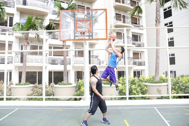 solemare parksuites luxury condos in manila basketball