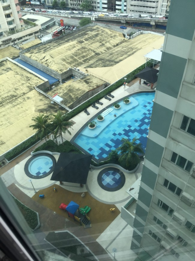 pool-view-apartment-the-beacon-roces-tower-makati